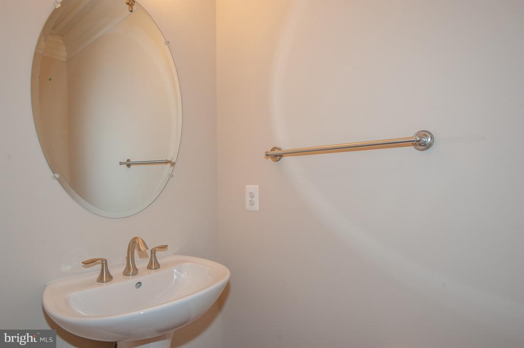 Main Level Half Bath - 7824 KENT RD, ALEXANDRIA