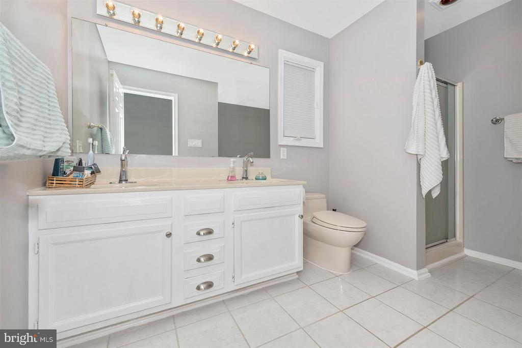 Master Bathroom - 10204 LADOGA PL, NEW MARKET