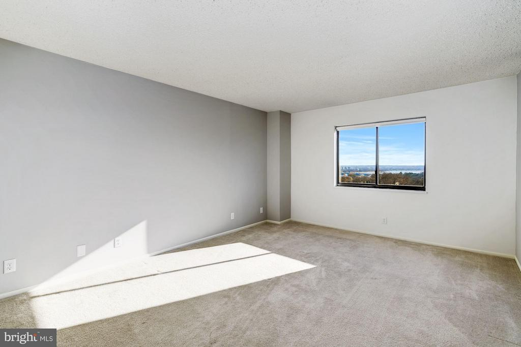 Master Bedroom - 1600 N OAK ST #614, ARLINGTON