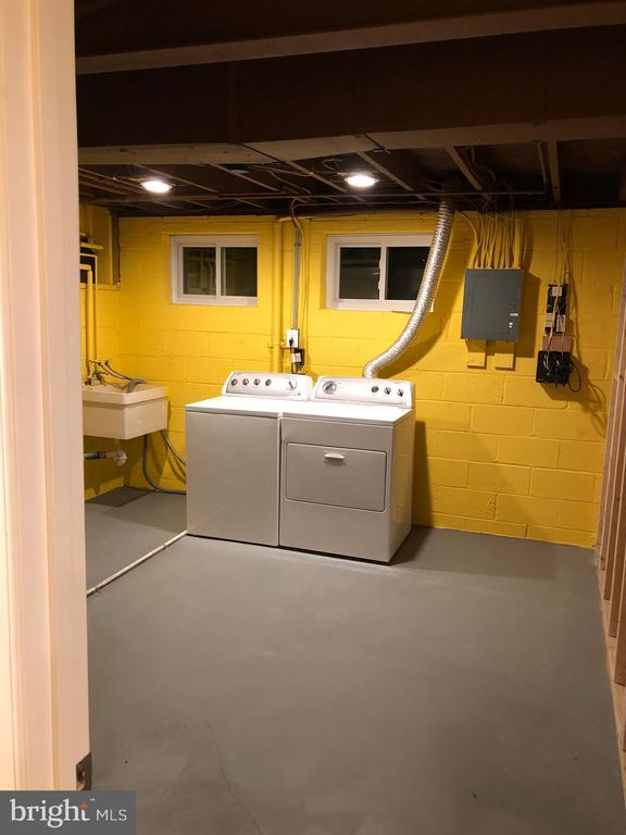 Laundry Room - 10028 LLEWELLYN CT, FAIRFAX