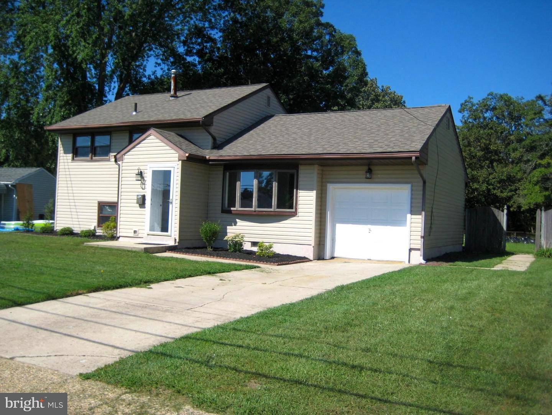 Maison unifamiliale pour l Vente à 10 MACKNIGHT Drive Pine Hill, New Jersey 08021 États-Unis