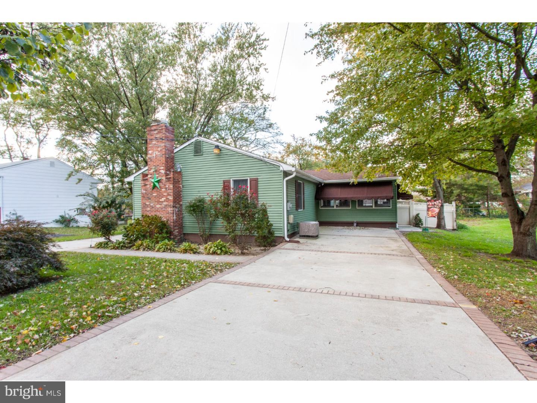 Частный односемейный дом для того Продажа на 267 ESSEX Avenue Thorofare, Нью-Джерси 08086 Соединенные Штаты