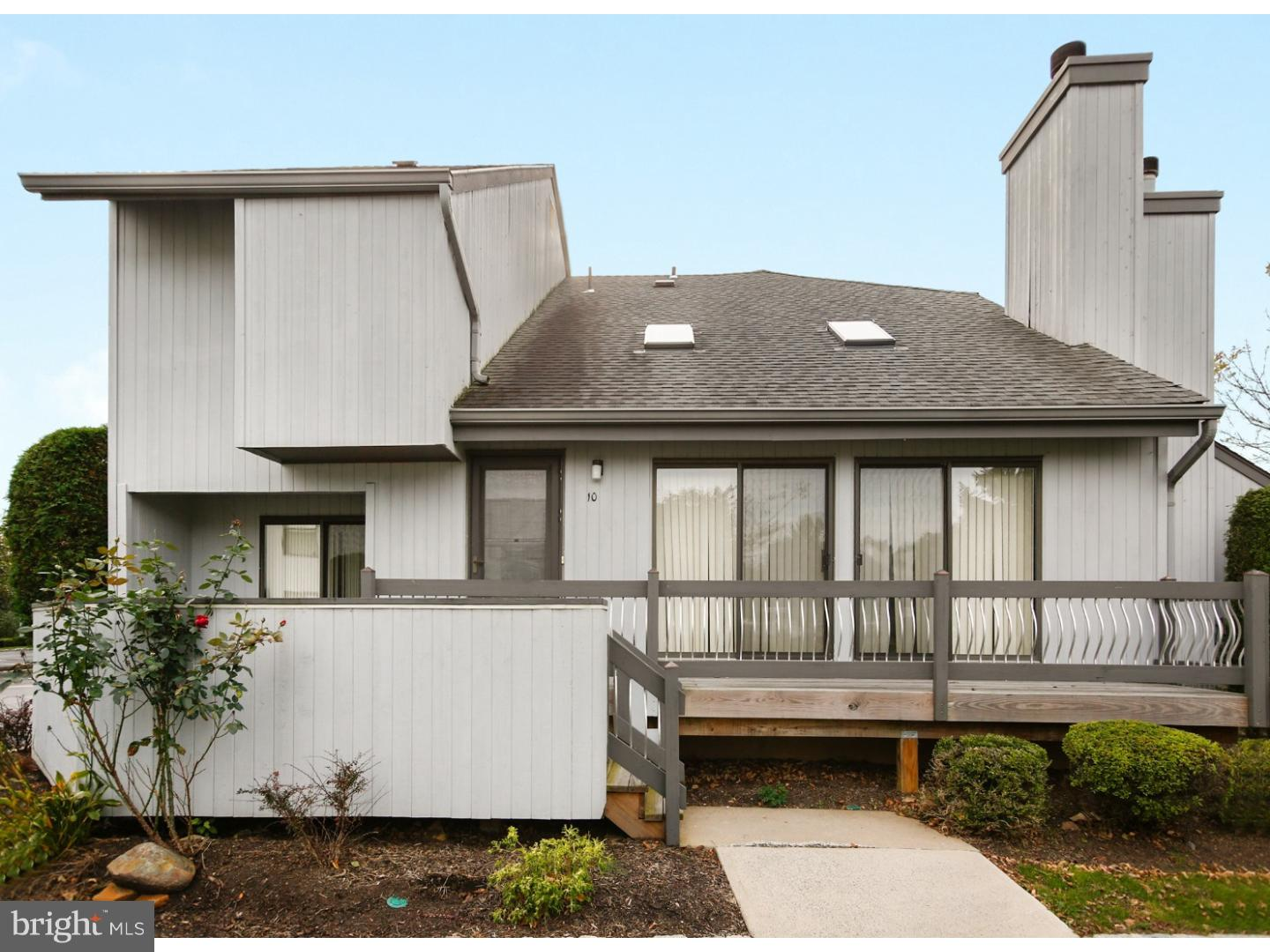 Single Family Home for Sale at 10 WITCH HAZEL Court Monmouth Junction, New Jersey 08852 United StatesMunicipality: South Brunswick Township