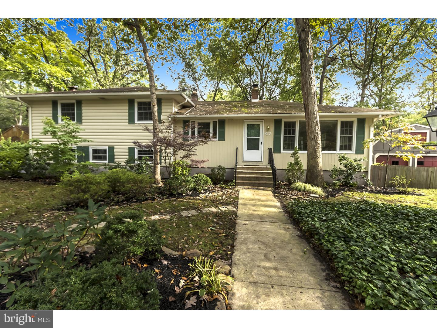 Single Family Home for Sale at 47 LENAPE Trail Medford Lakes, New Jersey 08055 United States