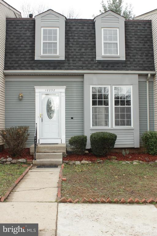 One of Burke 3 Bedroom Homes for Sale at 10232  HERON POND TERRACE