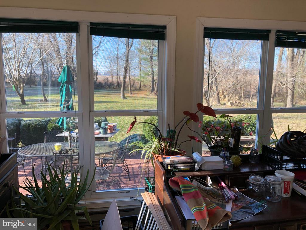 Sun-Room/Office w/ 2 Ext. Doors Backyard View - 1919 CASTLEMAN RD, BERRYVILLE