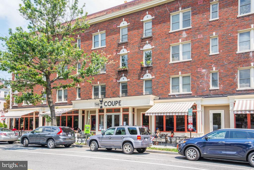 Perfect Brunch Spot for Lingering Over a Book - 2817 13TH ST NW #2, WASHINGTON