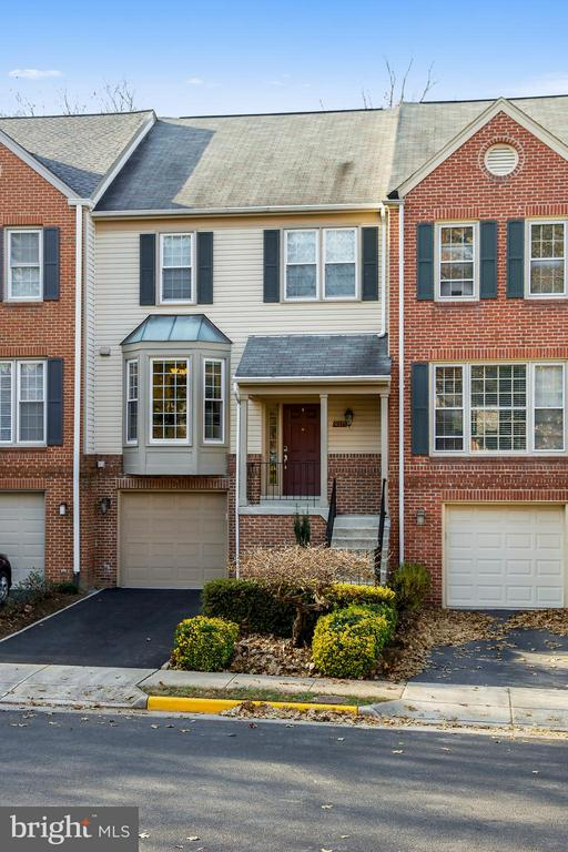 Burke Homes for Sale -  Loft,  9375  PETER ROY COURT