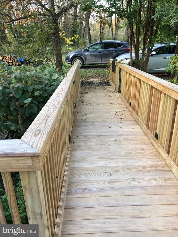 New Ramp w/Hidden Lighting Hardwired on Timer - 1919 CASTLEMAN RD, BERRYVILLE
