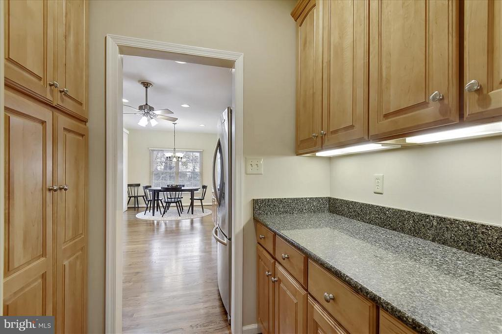 Main level Butler's Pantry - 1501 DADE LN, ALEXANDRIA