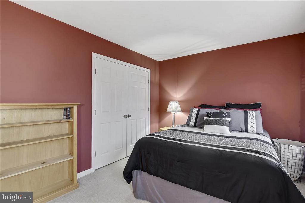Upper level Bedroom - 1501 DADE LN, ALEXANDRIA