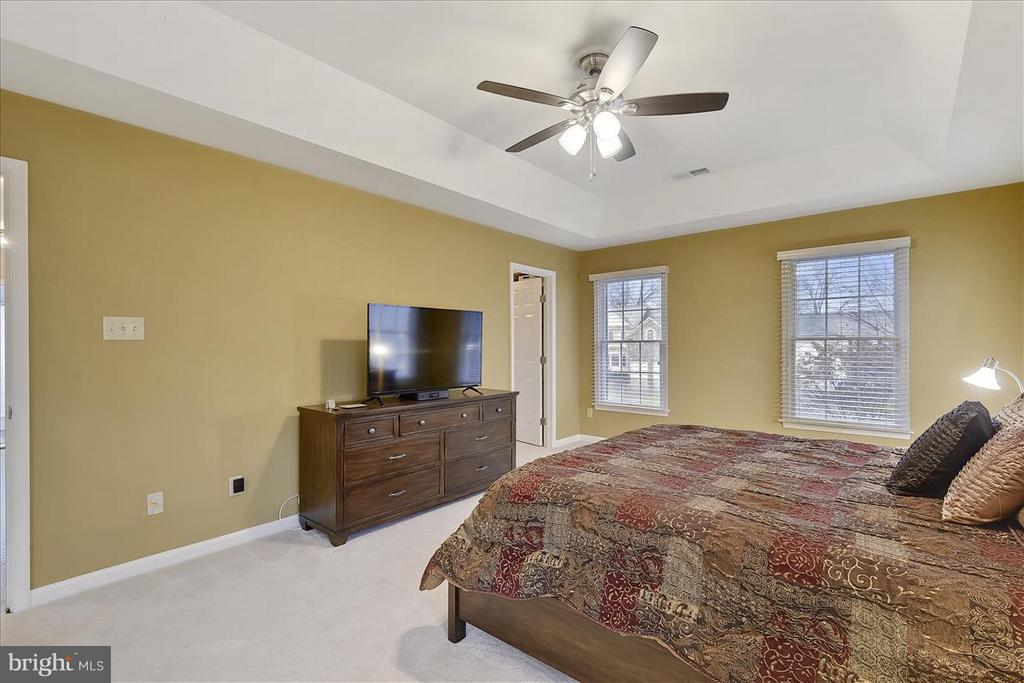 Upper level Master Bedroom - 1501 DADE LN, ALEXANDRIA