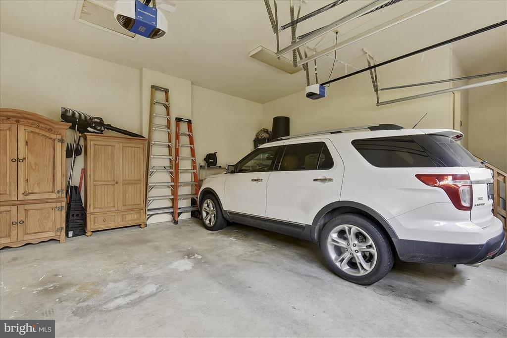 Main level Garage - 1501 DADE LN, ALEXANDRIA