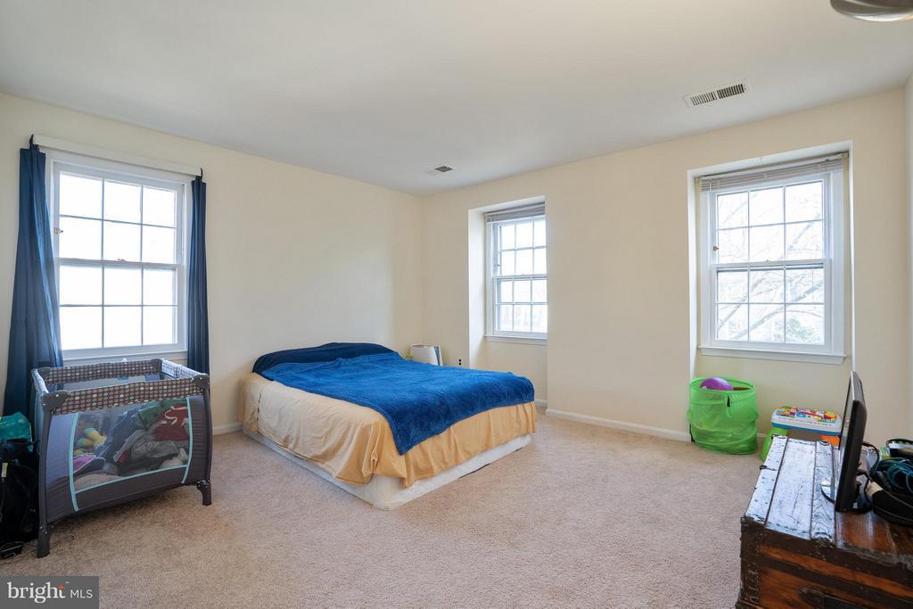 Bedroom - 4918 KING DAVID BLVD, ANNANDALE