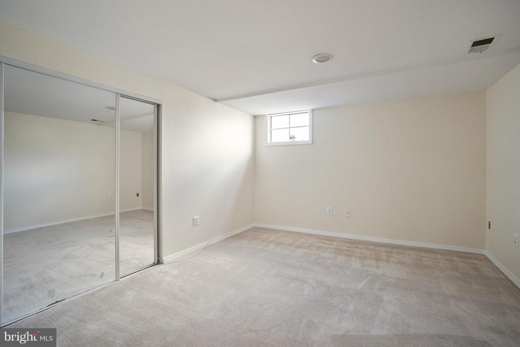 Den in basement - 4918 KING DAVID BLVD, ANNANDALE