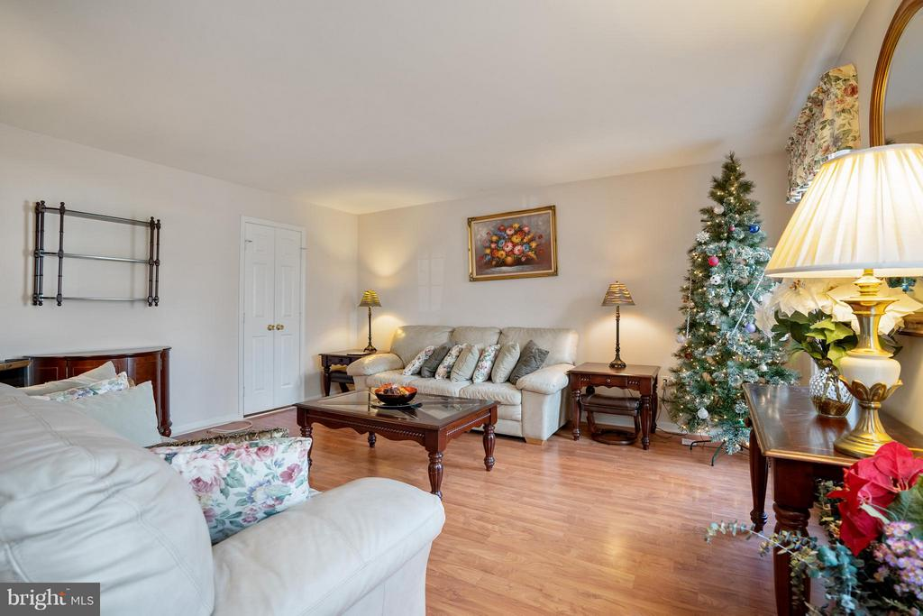 Living Room - 4918 KING DAVID BLVD, ANNANDALE