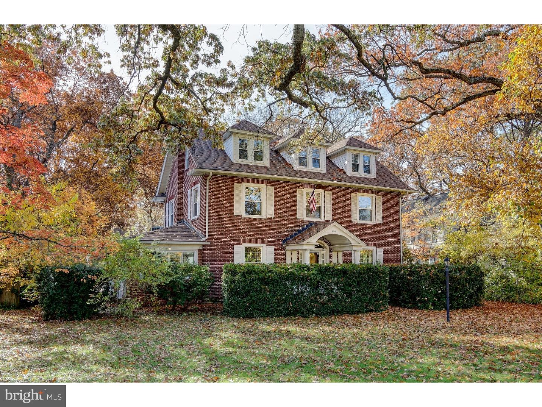Maison unifamiliale pour l Vente à 104 W MAPLE Avenue Merchantville, New Jersey 08109 États-UnisDans/Autour: Merchantville