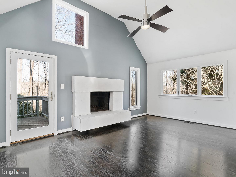Additional photo for property listing at 9102 White Chimney Lane 9102 White Chimney Lane Great Falls, Virginia 22066 United States