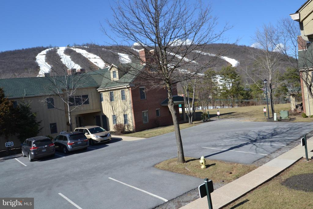 Views of the slopes - 13816 TRAILSIDE LN, MERCERSBURG