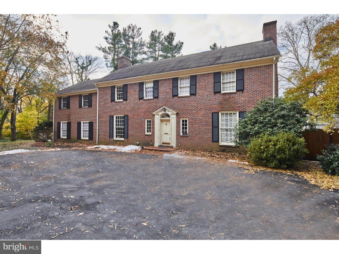 Photo of home for sale at 909 Dupont Road, Wilmington DE
