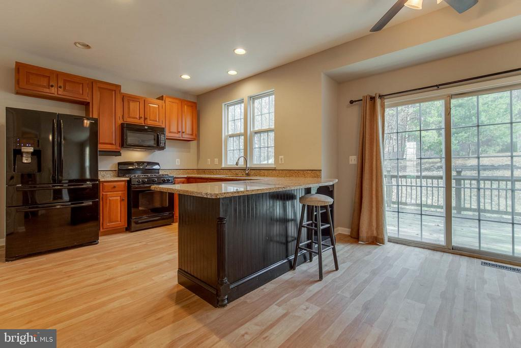 Brand new wood flooring, granite counter tops - 15333 TINA LN, WOODBRIDGE