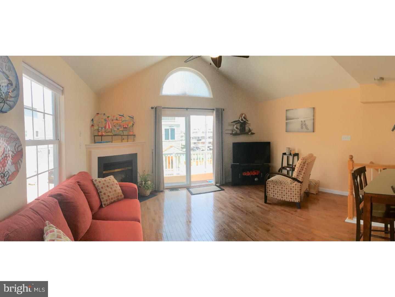 Частный односемейный дом для того Продажа на 423 W BURK AVE #B Wildwood, Нью-Джерси 08260 Соединенные Штаты
