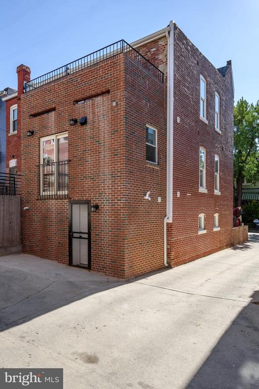 All brick addition in the rear& space to unload! - 729 HARVARD ST NW, WASHINGTON