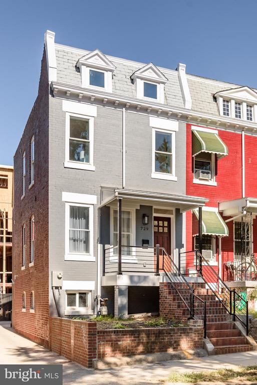 Fresh paint and alley access to the rear - 729 HARVARD ST NW, WASHINGTON