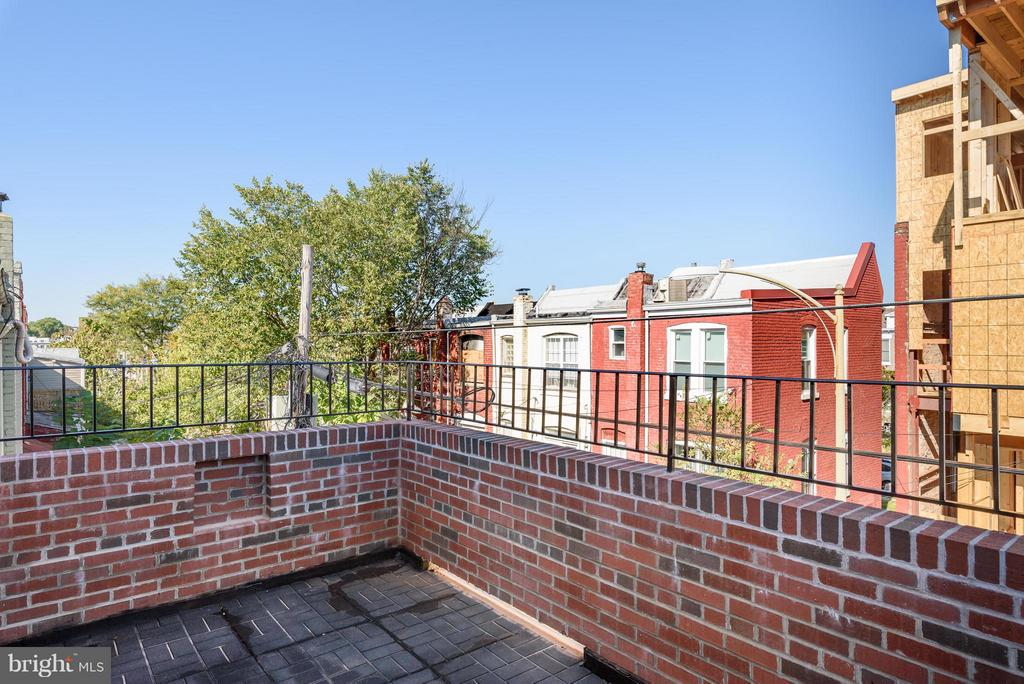 Gorgeous outdoor space off the master - 729 HARVARD ST NW, WASHINGTON