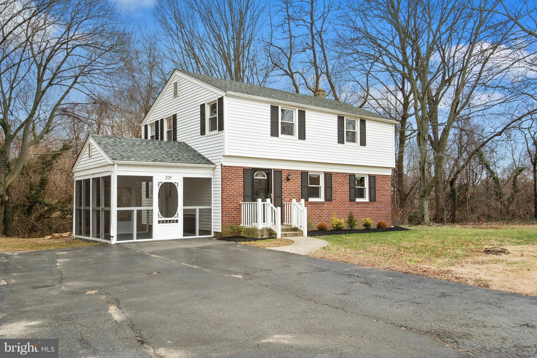Частный односемейный дом для того Продажа на 574 BECKETT Road Swedesboro, Нью-Джерси 08085 Соединенные ШтатыВ/Около: Logan Township