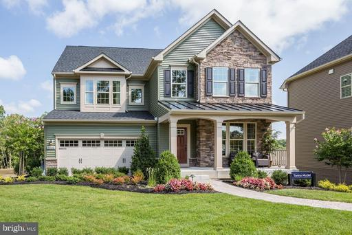 1009 HOADLY MANOR DR