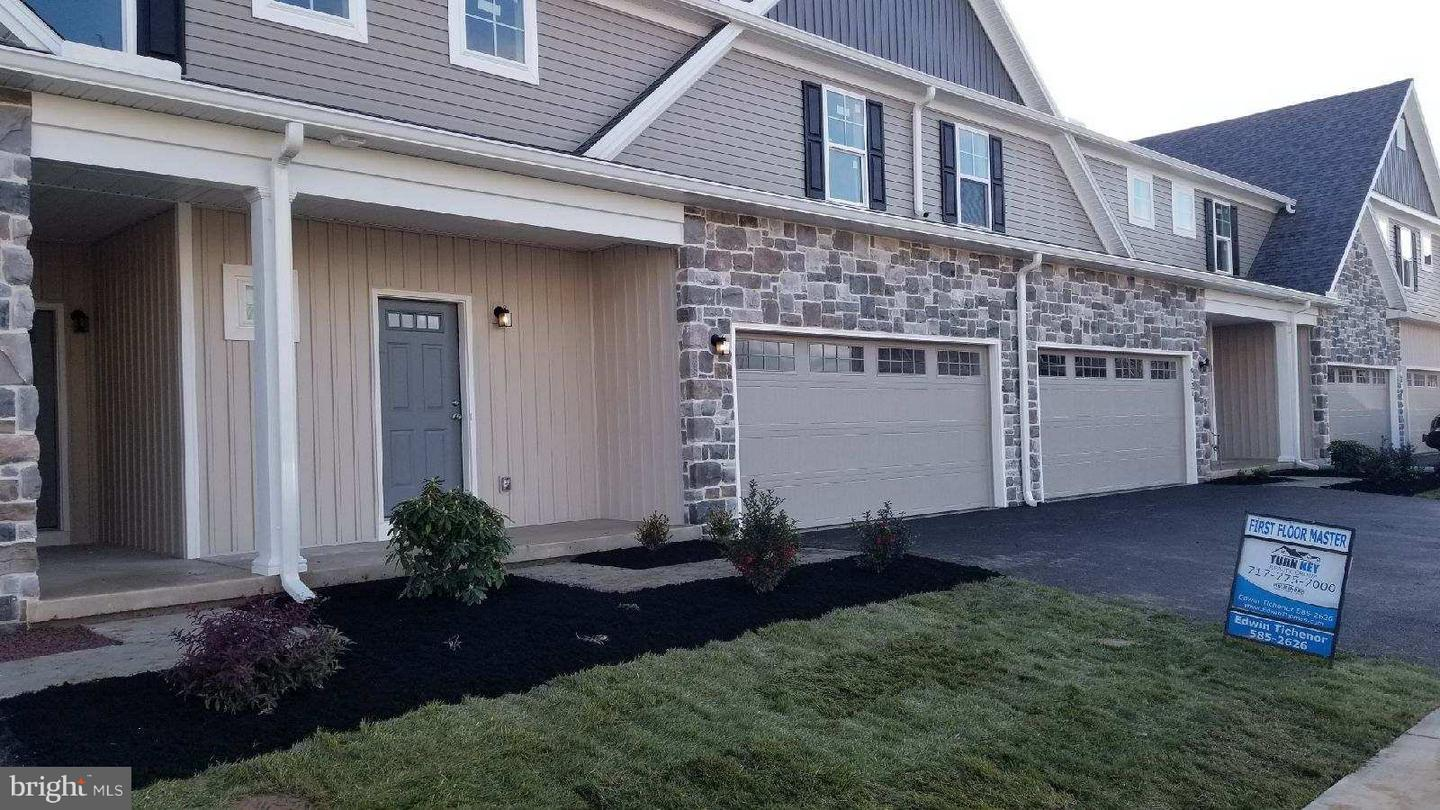 Photo of home for sale at 6125 Terry Davis Court, Harrisburg PA