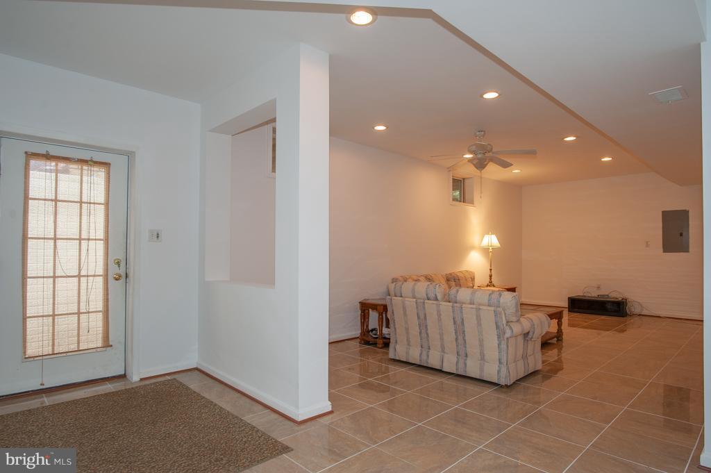 Rec Room - 7705 RIDGEPARK CT, SPRINGFIELD