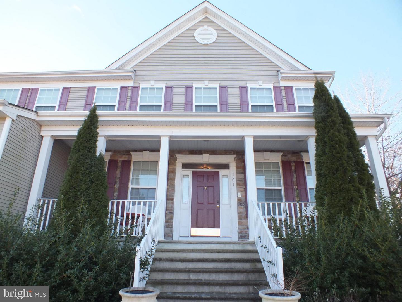 Частный односемейный дом для того Продажа на 101 ROCKPORT Drive Egg Harbor Township, Нью-Джерси 08234 Соединенные Штаты