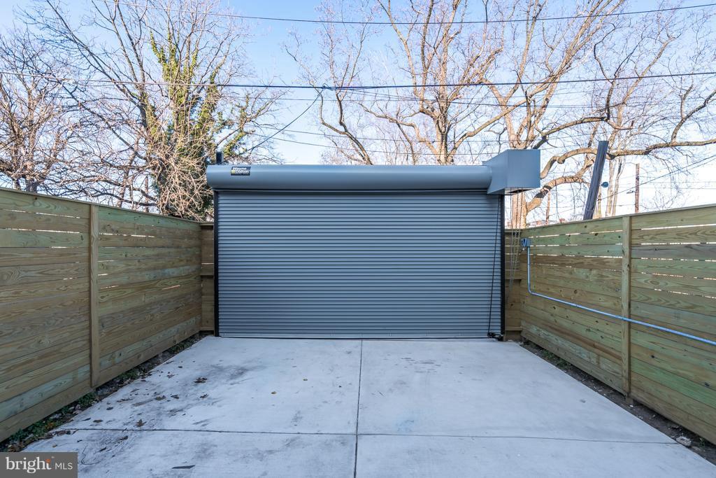 Commercial Grade Roll up door in rear - 621 LONGFELLOW ST NW, WASHINGTON