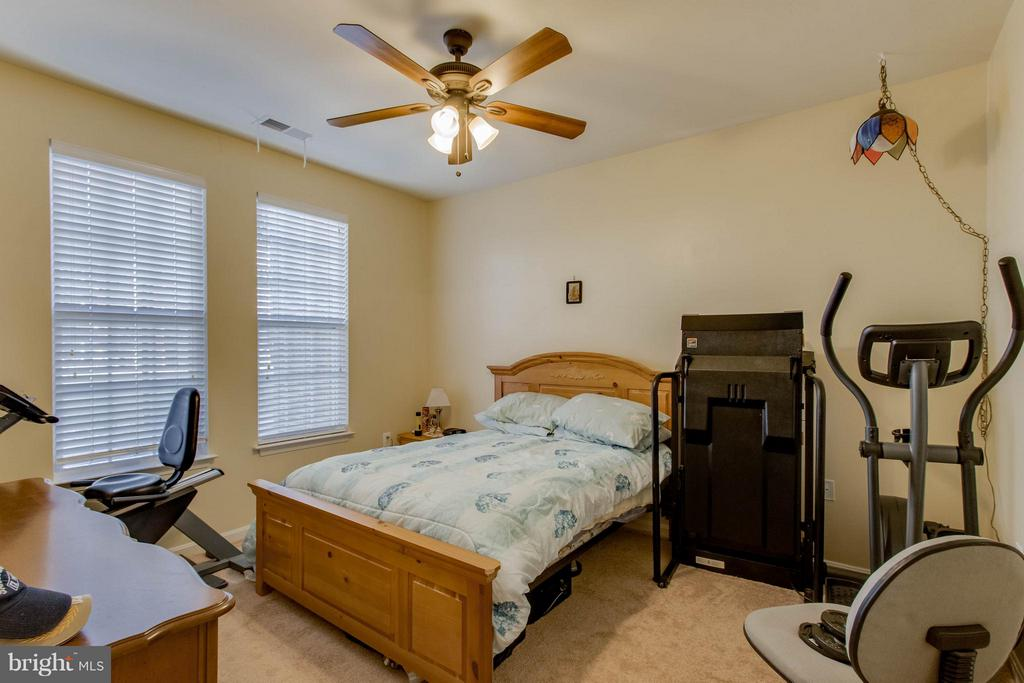 Second bedroom - 21228 MCFADDEN SQ #111, STERLING