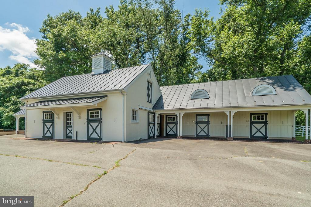 Quarantine Barn. - 33542 NEWSTEAD LN, UPPERVILLE