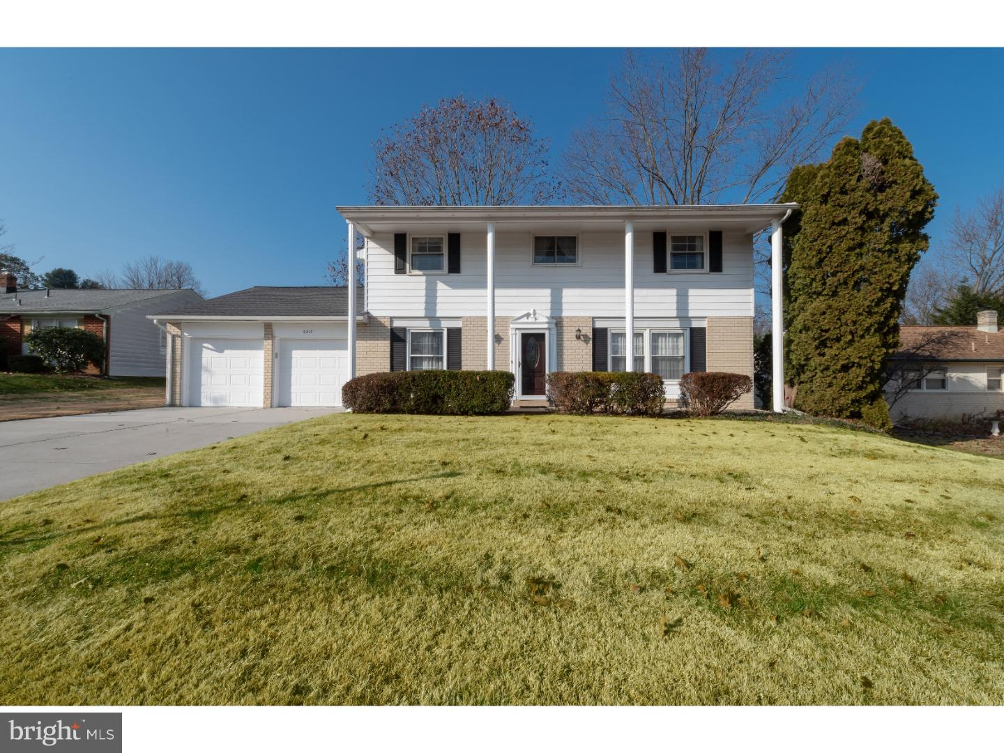 Photo of home for sale at 2217 Kingsridge Drive, Wilmington DE