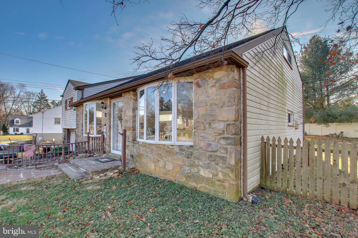 Photo of home for sale at 6 Eastview Drive, Glenside PA