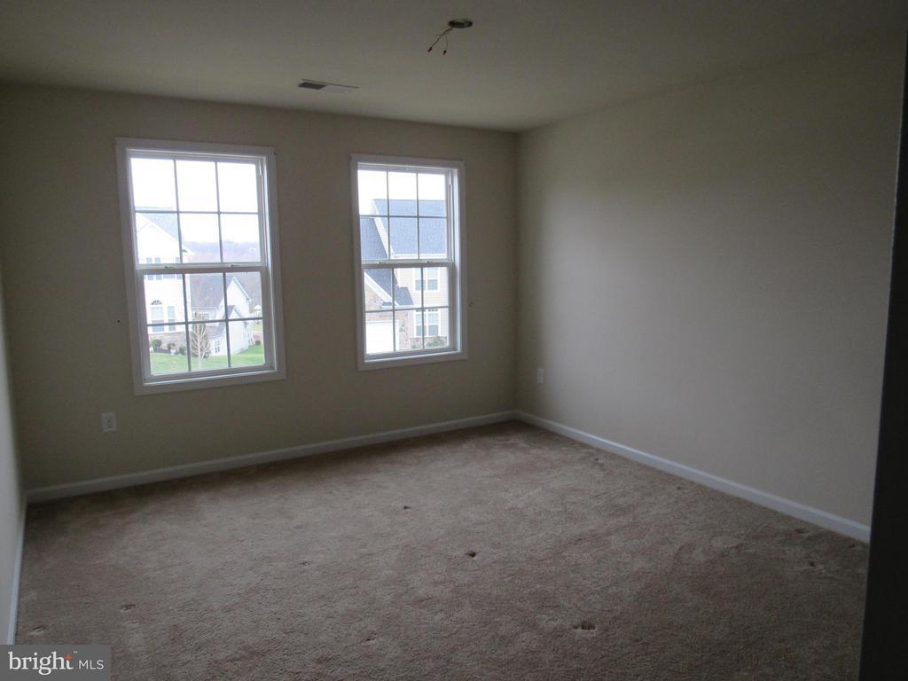 Bedroom 1 - 4 BRADBURY WAY, STAFFORD
