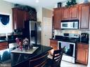 Beautiful kitchen cabinets - 4157 AGENCY LOOP, TRIANGLE