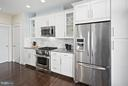 Upgrades stainless steel appliances - 2203 N 19TH CT, ARLINGTON