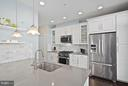 Stunning modern finishes - 2203 N 19TH CT, ARLINGTON