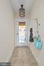 Bright entry foyer - 2203 N 19TH CT, ARLINGTON