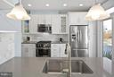 Contemporary tiles and fixtures - 2203 N 19TH CT, ARLINGTON