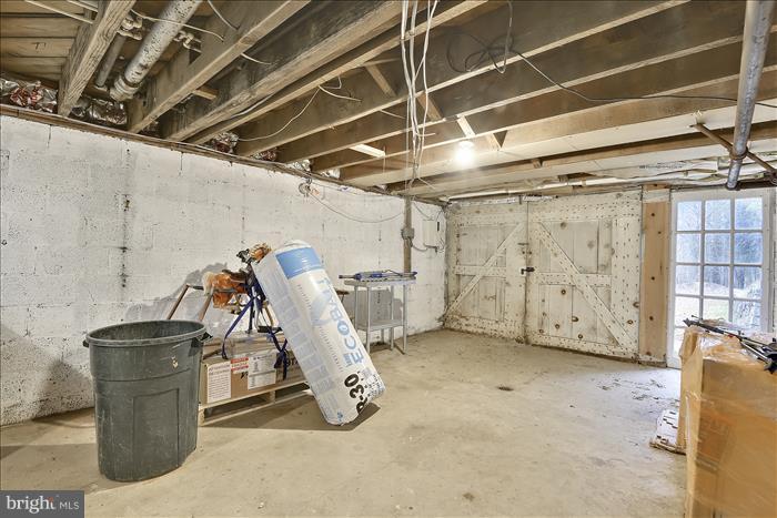 Garage - 17945 BOWIE MILL RD, ROCKVILLE