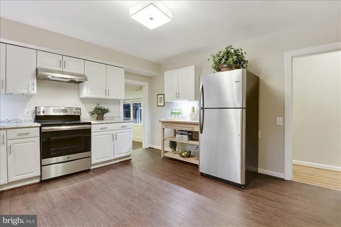 Kitchen - 17945 BOWIE MILL RD, ROCKVILLE