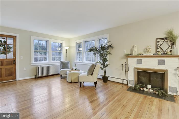 Living Room - 17945 BOWIE MILL RD, ROCKVILLE