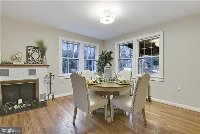 Dining area - 17945 BOWIE MILL RD, ROCKVILLE