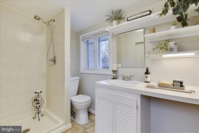 Master Bath - 17945 BOWIE MILL RD, ROCKVILLE
